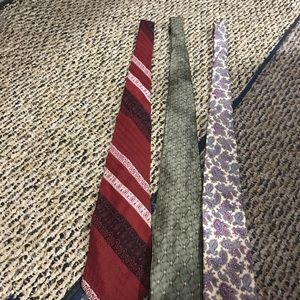 Men's Ties. They are used in perfect condition.